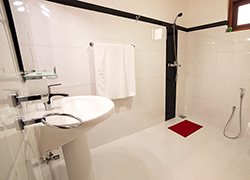 Villa 4 U - Bathroom