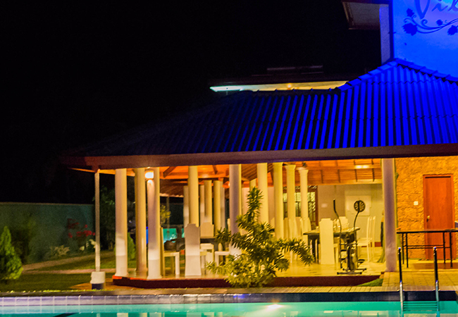 Villa 4 U - Night view
